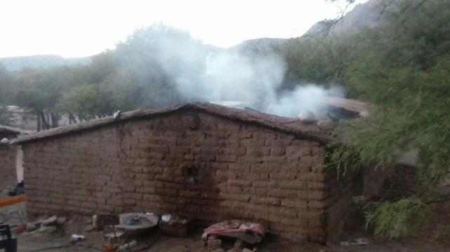 Casa incendiada abril 2016 Luracatao