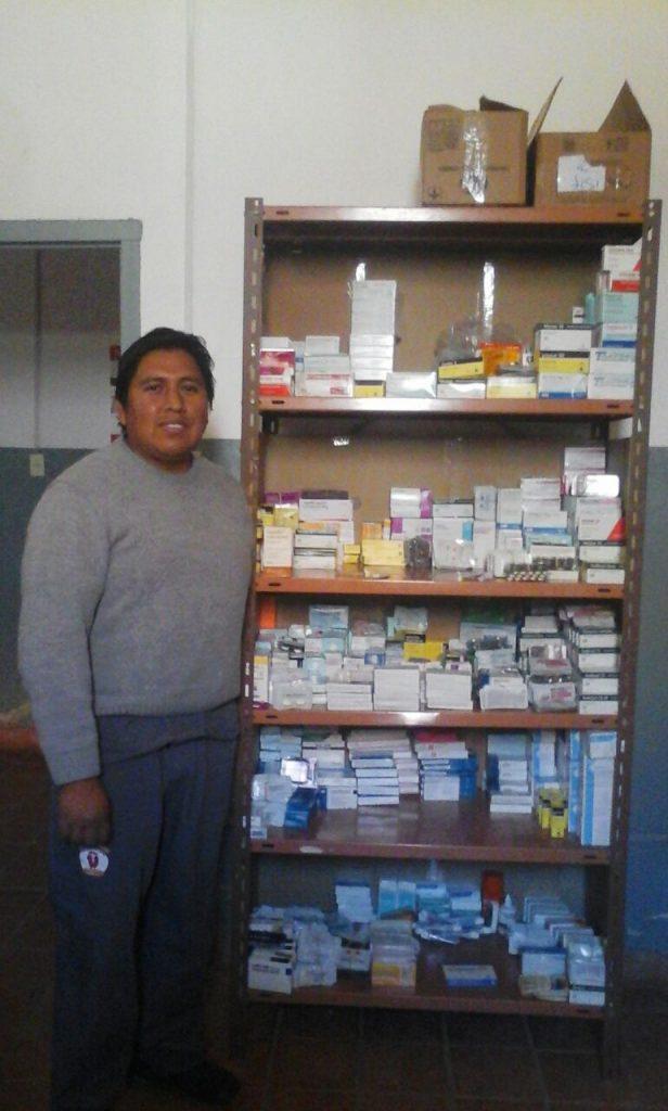 Feliz con su farmacia llena
